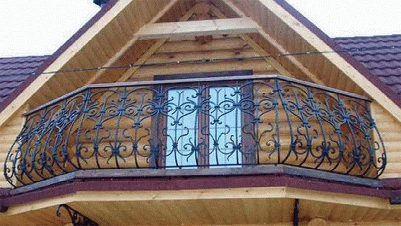 Как сделать балкон в деревянном частном доме на даче своими .