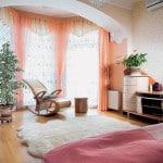 Совмещение спальни с балконом