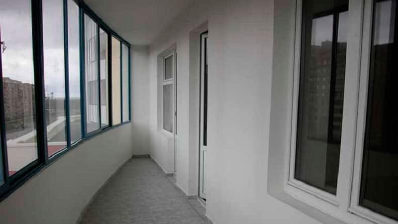 Аллюминиевый профиль для остекления балкона