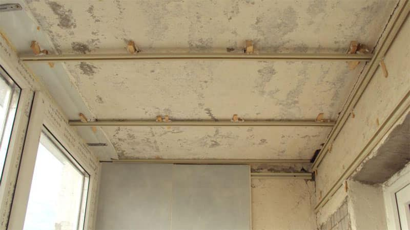 из чего сделать потолок на лоджии своими руками