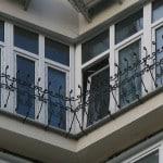 Софркеменный французский балкон