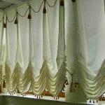 Как повесить шторы на балкон без карниза