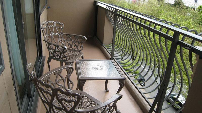 Красивый балкон: фото дизайна интерьера внутри.