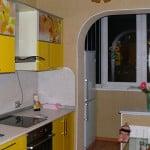 Совмещение двух зон - балкона и кухни