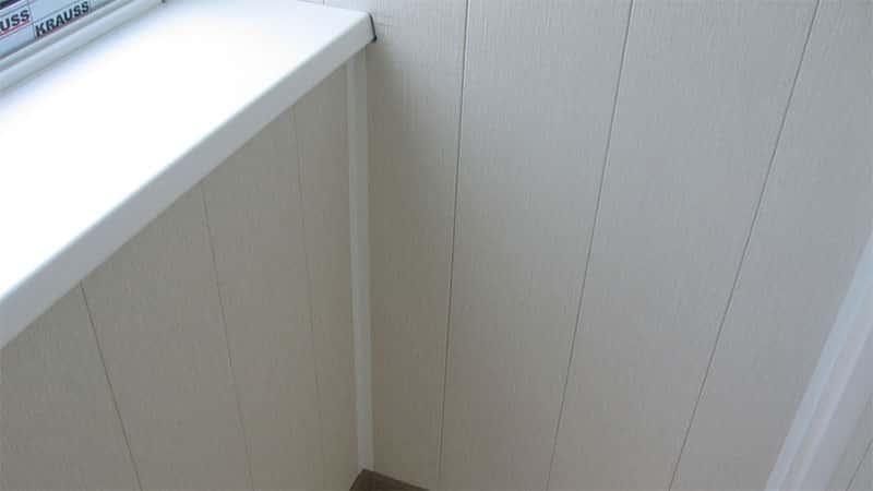 отделка балкона пластиковыми панелями фото своими руками
