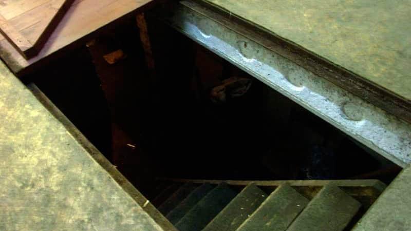 Установка погреба на балконе