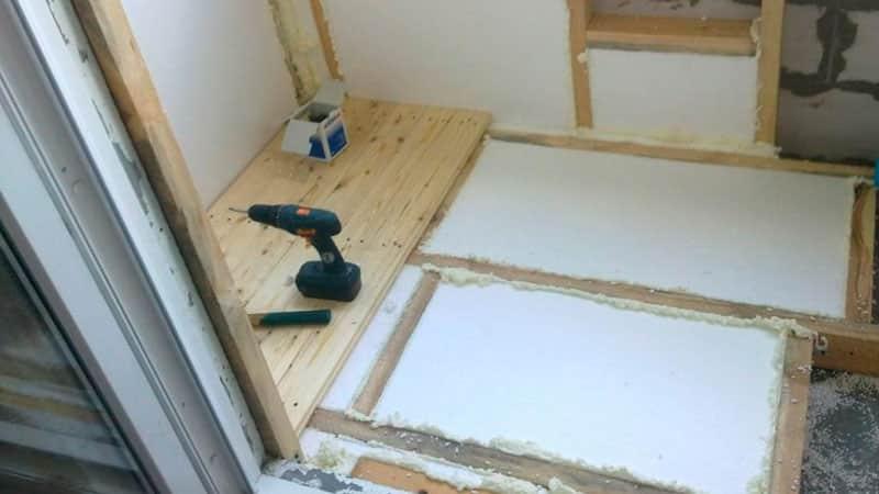 как отремонтировать балкон своими руками