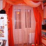 Шторы на кухню с дверью с ламбрекенами