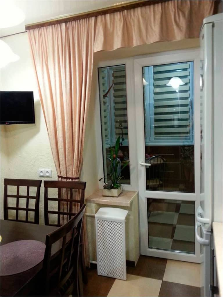 Шторы кухня с балконом