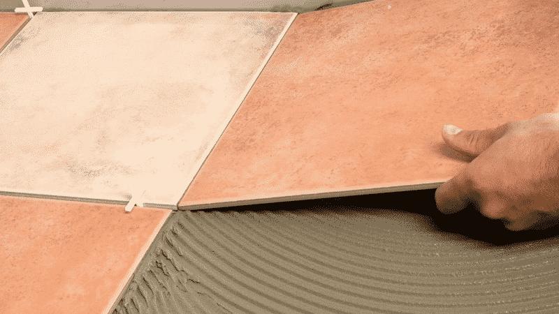Отделка балкона плиткой способом шов в шов