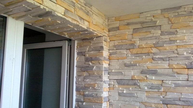Отделка балкона декоративным камнем своими руками 17