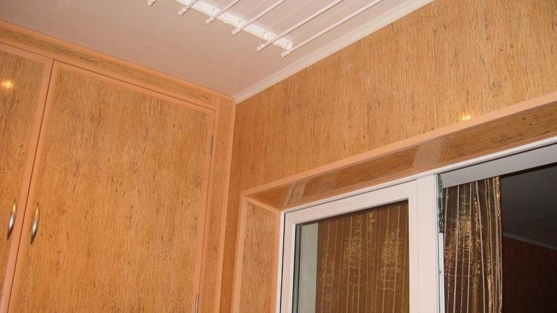 Финишная отделка балкона панелями ПВХ