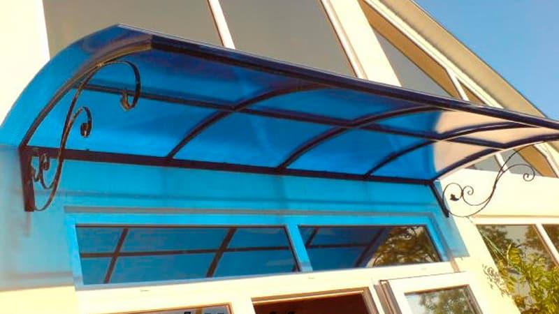 Как установить козырек на балкон своими руками