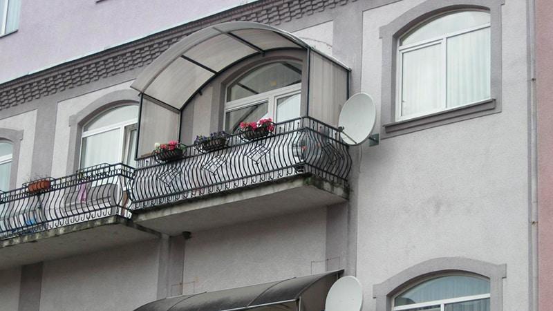 Делаем козырек на балкон своими руками: фото и видео инструк.