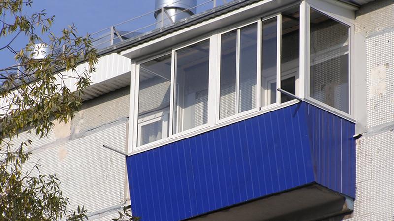 Отделка балкона профнастилом своими руками