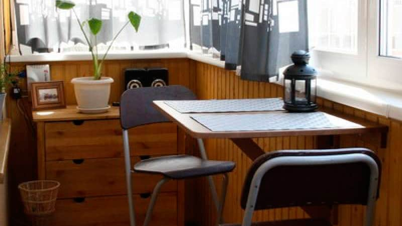 Дизайн интерьера и оформление застекленного балкона: фото со.
