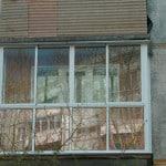 Стеклим балкон правильно