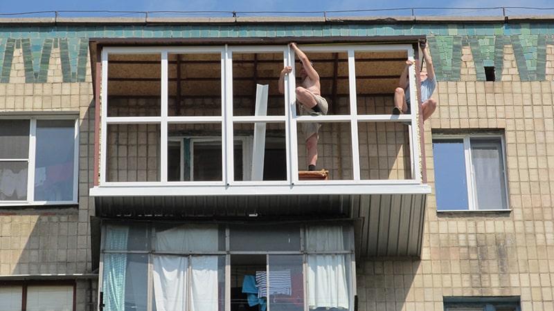 Увеличиваем балкон с трех сторон