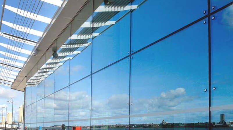 спайдерное витражное остекление балконов