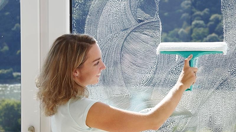 Как вымыть окна без разводов в домашних условиях