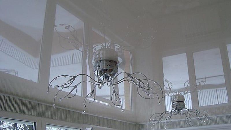Натяжной потолок на балконе фото