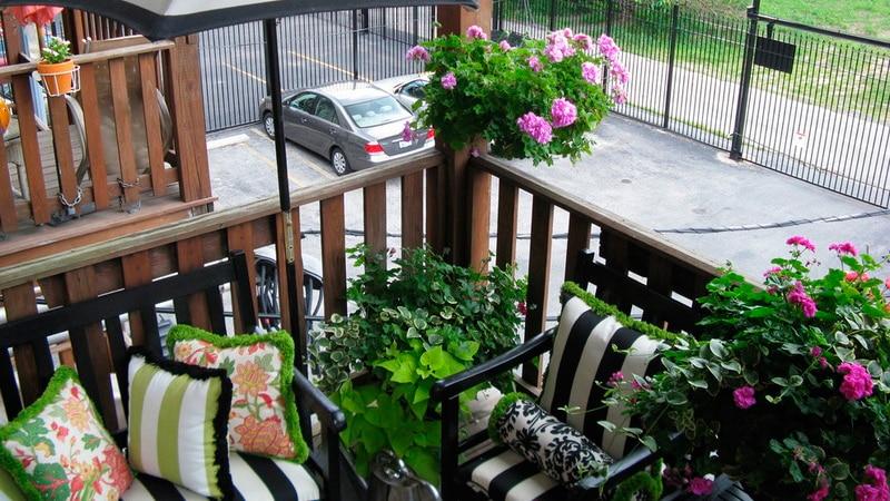 Оформляем открытый балкон