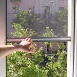 Установка магнитной сетки на окно