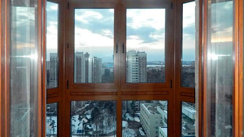 Остекление балконов деревянными рамами: особенности использо.