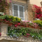Кашпо на перила для балкона