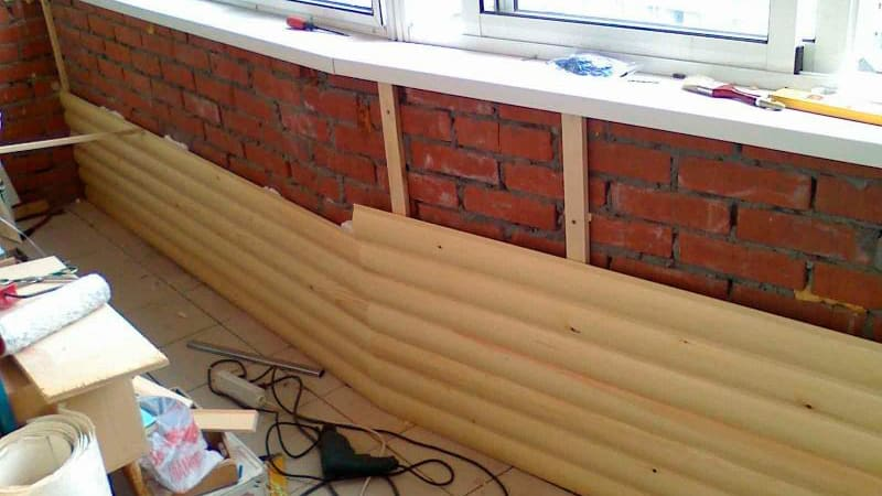 Обшивка балкона блок хаусом: фото примеры отделки.