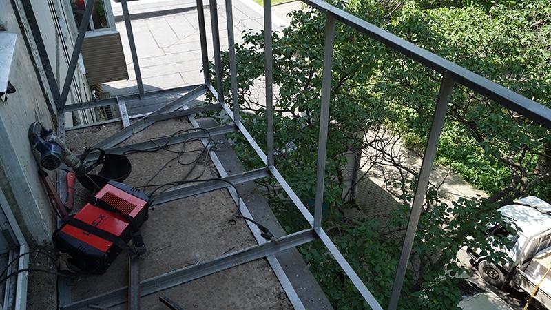 Расширение балкона по основанию