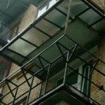 Расширение балкона по подоконнику