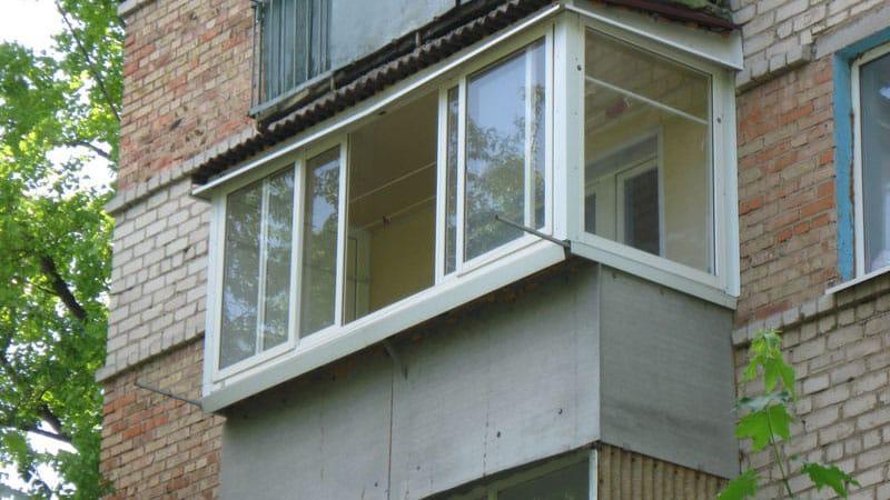 Раздвижные стеклянные двери: на балкон, фото откатные стекля.