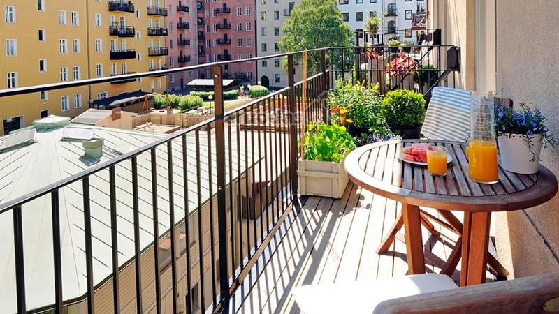 Открытый балкон - вариант оформления
