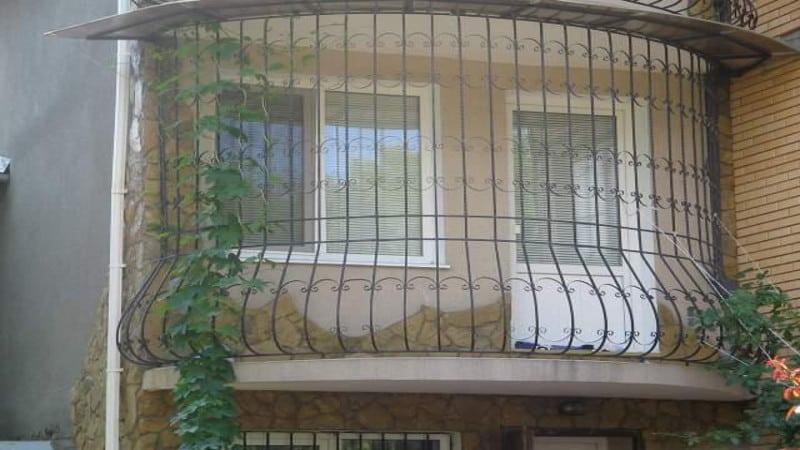 решетки на балконе