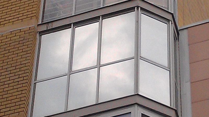 Зеркальная пленка на окна