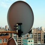 Устанавливаем спутниковую антенну