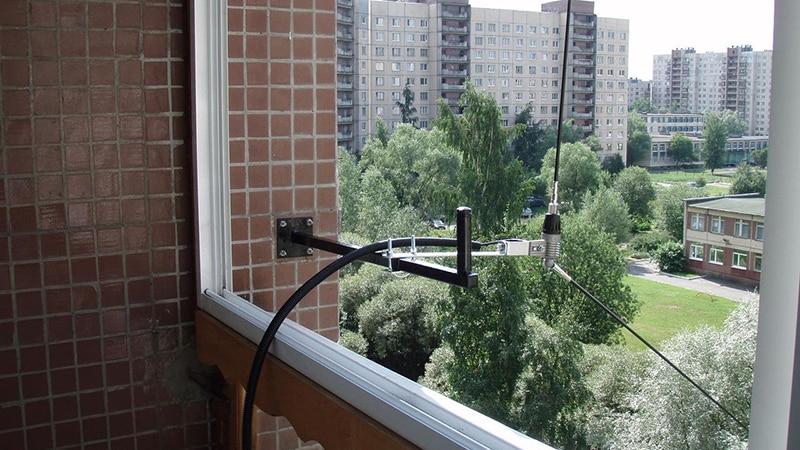 Устанавливаем КВ антенну на балконе