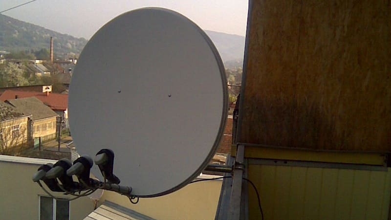 Устанавливаем самостоятельно спутниковую антенну на балконе
