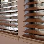 Установка жалюзи на окна