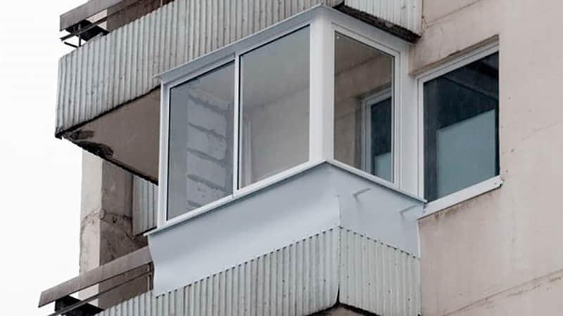 Остекление балкона дома П-3
