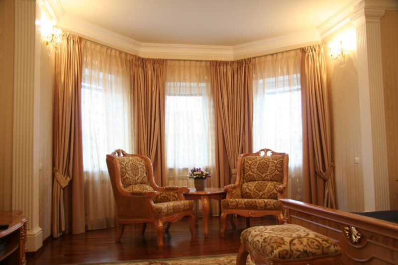 фото зала с эркером фото