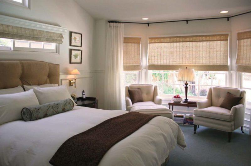 шторы для эркера в гостиной фото