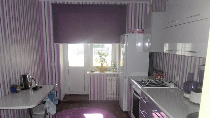 Шторы на кухню с балконом: виды и особенности выбора