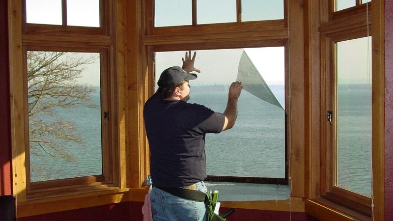Тонировка окон на балконе: виды, преимущества, как сделать самому